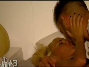 """L'île des vérités 3, épisode 24 : Zelko :""""Ca fait du bien d'embrasser une jumelle !"""""""