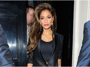 Nicole Scherzinger : black fashion addict !