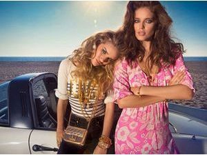 Mode : Rosie Huntington Whiteley : Elle se transforme en bombe de Beverly Hills pour la nouvelle campagne de Juicy Couture !