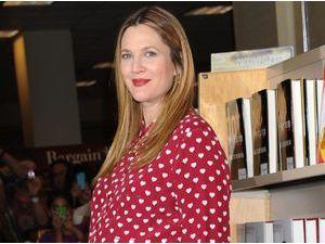 """Drew Barrymore : elle s'exprime sur la mort de sa demi-soeur qu'elle n'avait rencontrée que """"brièvement""""..."""