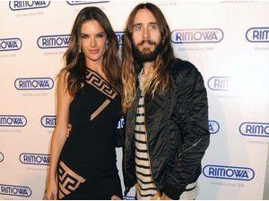 Photos : Alessandra Ambrosio : concours de cheveux longs avec Jared Leto !