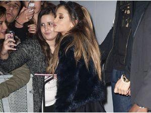 Photos : Ariana Grande : sexy pour son passage à Paris, les fans français au rendez-vous !