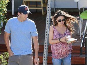 Photos : Ashton Kutcher et Mila Kunis : énième apparition discrète avant l'arrivée de bébé !