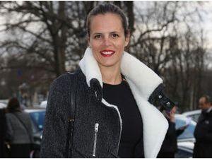 Photos : Laure Manaudou : elle se dévoile en version féminine au défilé Guy Laroche !