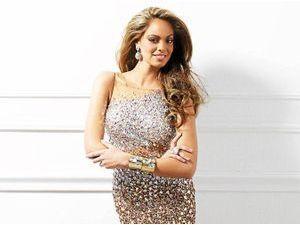 """Exclu Public : Hinarani de Longeaux : """" J'ai 86 concurrentes pour Miss Univers !"""""""